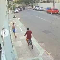 Thief Gets Hit By A Car After Stealing A Woman Phone!