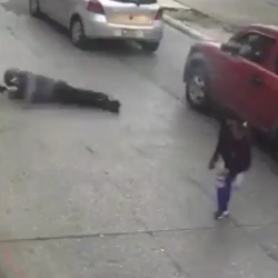Dude Leaves His Friend During A Car Jacking Gone Wrong!