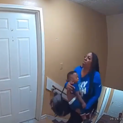 Woman Made It In The House Just In Time With Her Son Because A Serial Killer Was Behind Her!